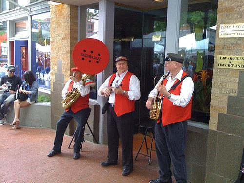 street performing trio
